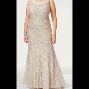 Formal Dress 12 14 14W 16 Evening Gown Light Gold